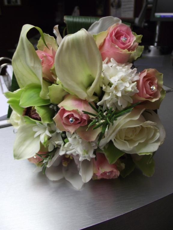 lloyd package wedding flower packages garlands florists ltd. Black Bedroom Furniture Sets. Home Design Ideas